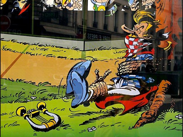 Résurrection Affiche-macdo-asterix-assurancetourix