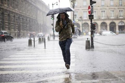 Degats-apres-de-violents-orages-sur-l-Ouest-et-l-Ile-de-France-une-nouvelle-vague-attendue_reference