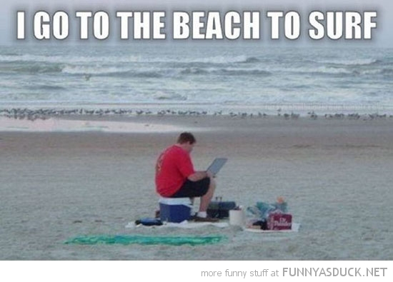 funny-man-beach-surf-laptop-computer-pics
