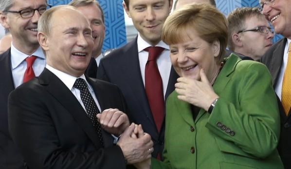 Vladimir-Poutine-et-Angela-Merkel