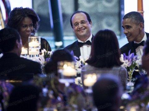 francois-hollande-decontracte-lors-du-diner-d-etat-entre-barack-obama-et-son-epouse-michelle-afp