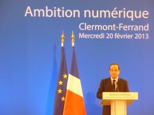 Francois-Hollande-numerique-auvergne-300x225