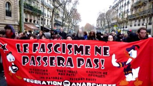 une-manifestation-anti-fasciste-a-paris