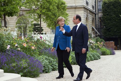 Europe France Paris Elysee Merkel Hollande Remaniement PS Valls Charlot Les Charlots France Paris Humour