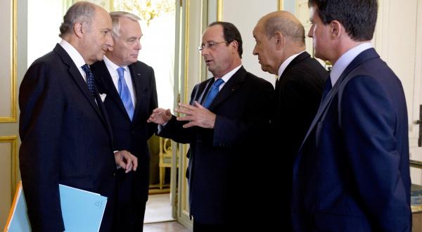 Hollande Fabius Ayrault Le Drian Valls Remaniement Matignon