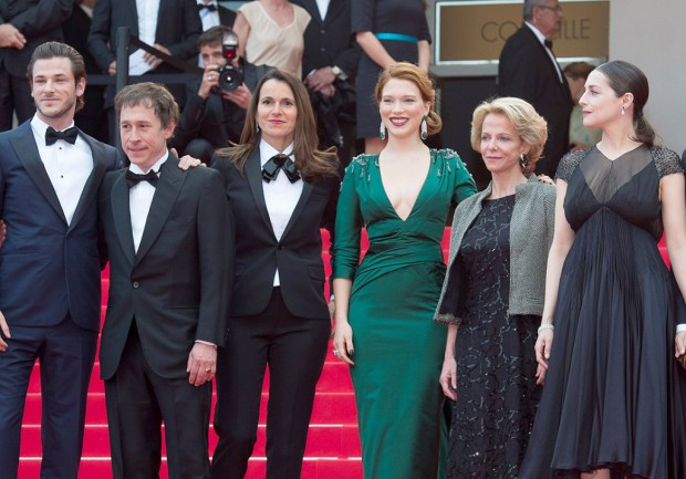 Cannes-2014-Aurelie-Filippetti-interdit-a-Fleur-Pellerin-la-montee-des-marches_visuel_article2