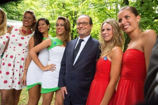 François Hollande et ses nouvelles lunettes