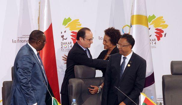 la-presidente-de-l-oif-michaelle-jean-entouree-des-presidents-francais-senegalais-et-malgache-francois-hollande-macky-sall-et-hery-rajoanarimampianina-a-dakar-le-30-novembre-2014_5162989
