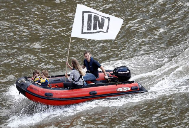 brendan-cox-husband-of-labour-mp-jo-cox-and-their-two-daughters-ride-an-inflatable-dinghy-as-they-take-part-in-a-counter-demonstration-to-support-the-remain-campaign-on-the-river-thames-in-london_5617693