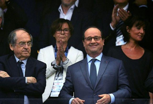 le-president-francois-hollande-avec-celui-de-la-fff-noel-le-_2666304